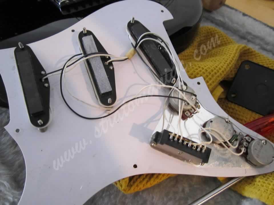 Nett Fender Stratocaster Pickup Verkabelung Ideen - Elektrische ...