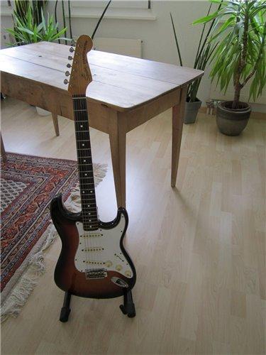 Squier JV SST50 62 Vintage Stratocaster
