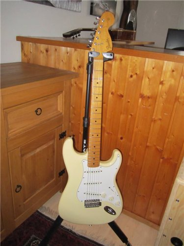 Fender ST67-77